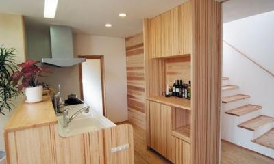 空間と素材でさりげなく遊ぶ暮らし (キッチン)