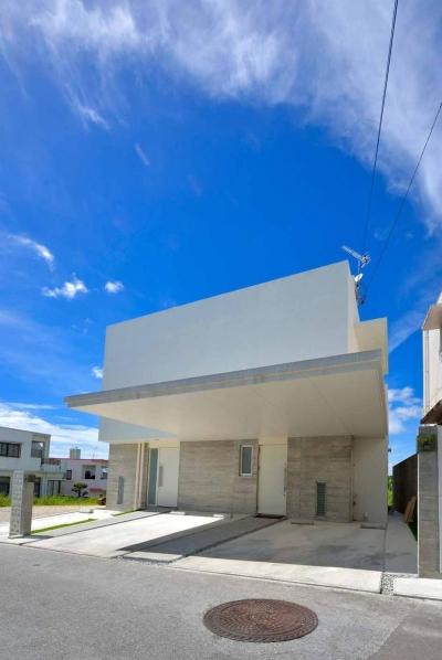 風を生み、空に近づく家 (外観)