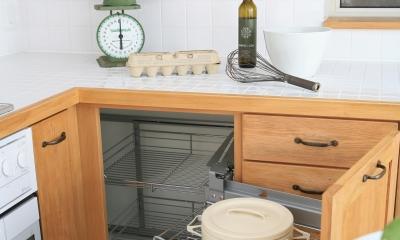 F邸 (重たい鍋も取り出しやすいコーナー引き出し収納)