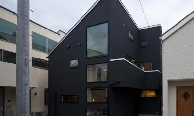 八雲の黒家