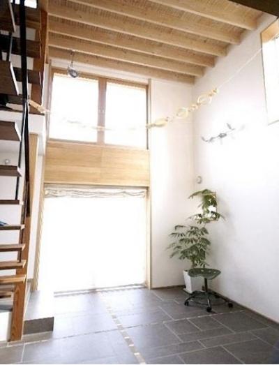 光が差し込む空間 (窓の家)