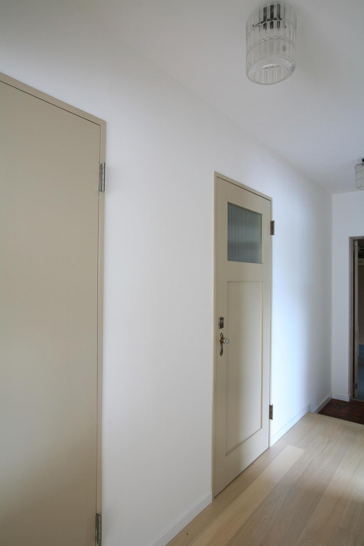 N邸 (廊下&ドア)