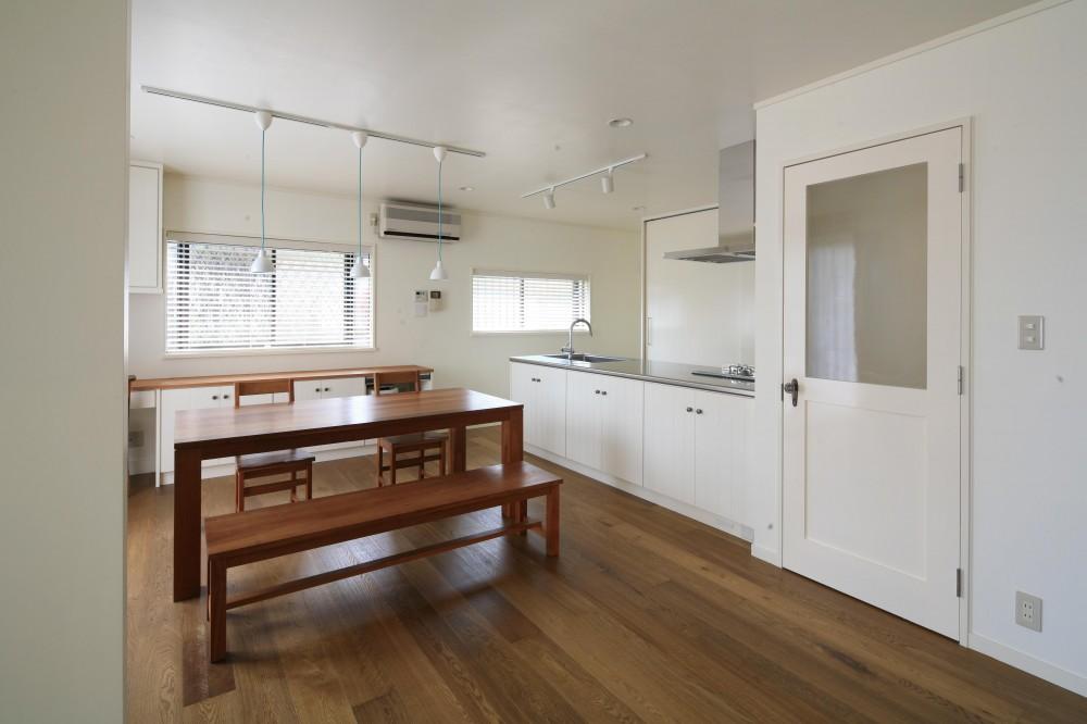 O邸 (解放感のある明るいダイニングキッチン)