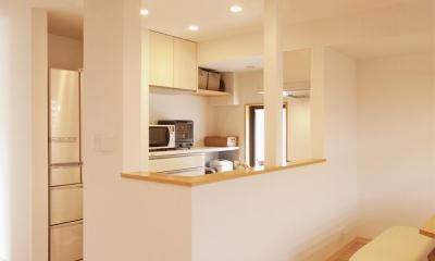 オープンな対面式キッチン|K邸・みんなでお家に帰ろう!