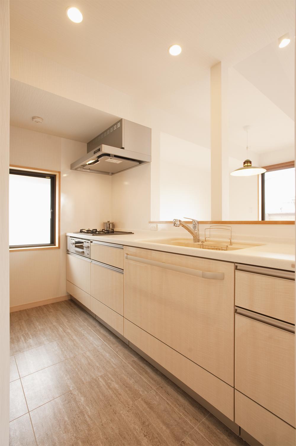 K邸・みんなでお家に帰ろう!の部屋 シンプル&ナチュラルなキッチン