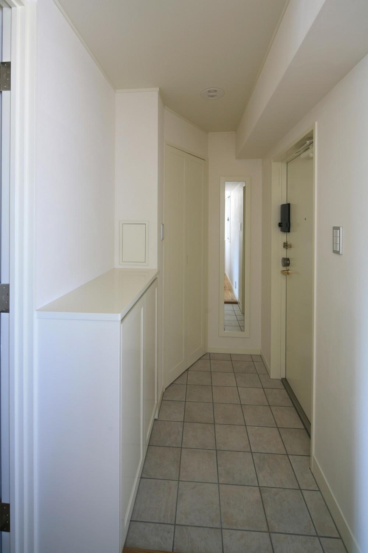 K邸 (廊下から玄関へ)