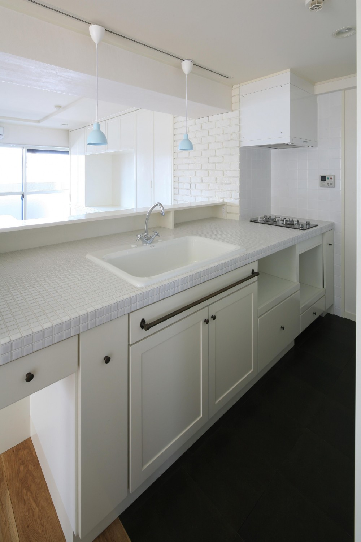 K邸 (白いタイルが可愛いシンク周り)