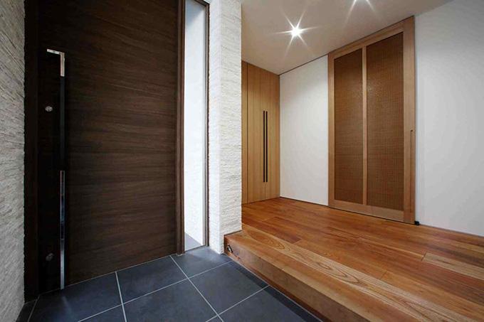 夕陽ヶ丘の家 其の二の部屋 上がり框のある玄関
