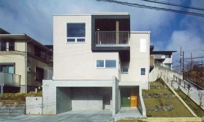 斜面地に建つ住宅|宝塚の家