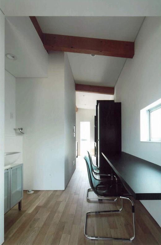 宝塚の家の写真 小窓のある書斎