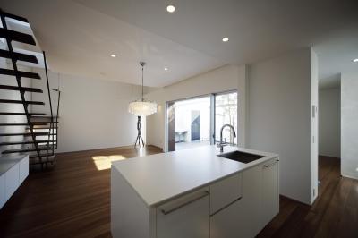 ダイニングキッチン (house and atelier PTL)