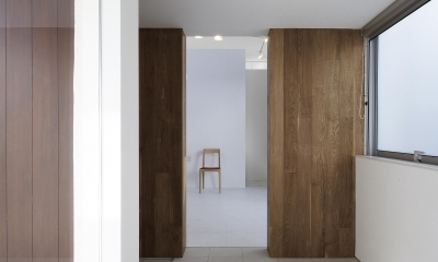house and atelier PTL (玄関)