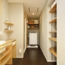 K邸・暮しを彩る収納のある家の写真 洗面室-ランドリースペース
