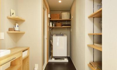 洗面室-ランドリースペース|K邸・暮しを彩る収納のある家