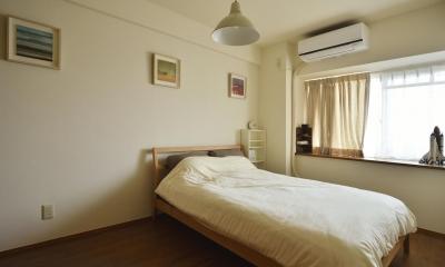 K邸・暮しを彩る収納のある家 (柔らかな雰囲気のベッドルーム)