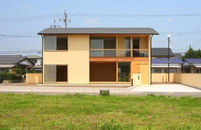 東海の家 (開放的なリビングがある外観)