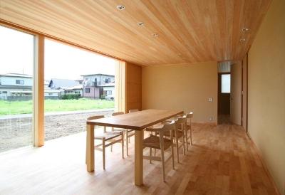 東海の家 (開放的なリビングダイニング)