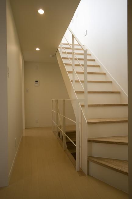 ライトコートの家の部屋 階段