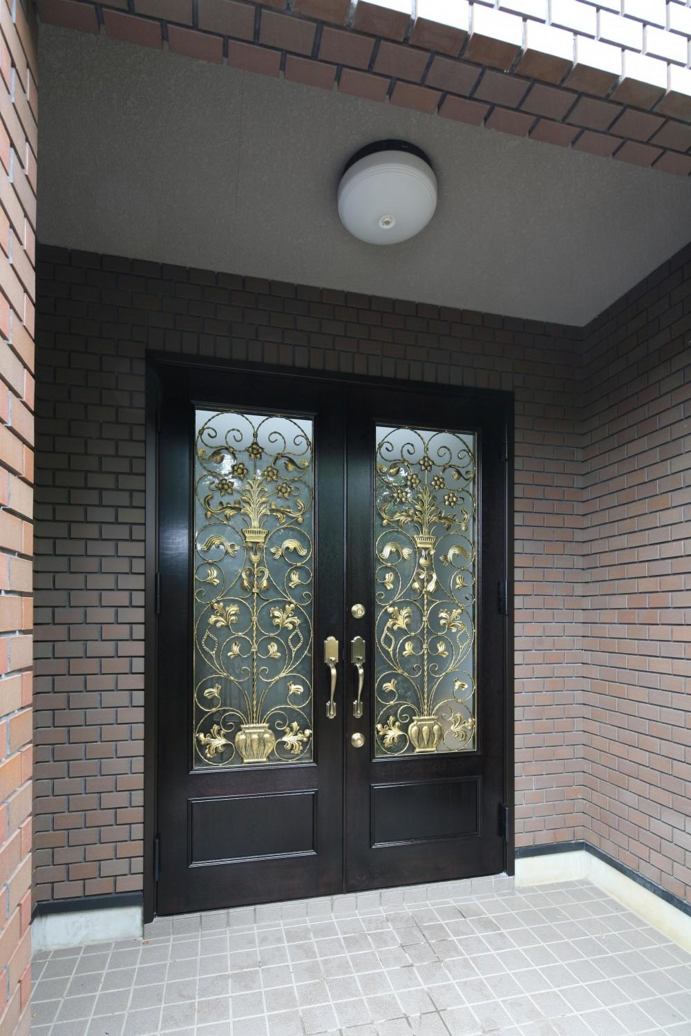 H邸 (玄関)