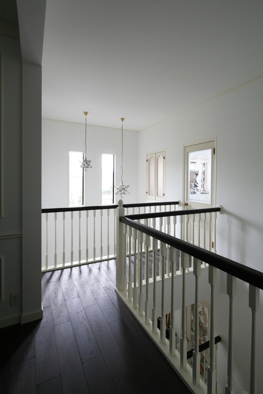 H邸 (2F階段上スペース)