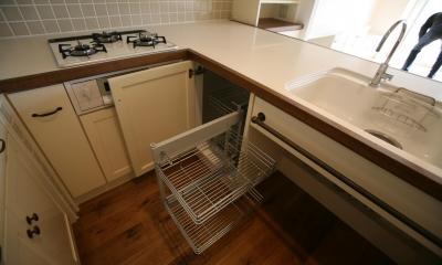 K邸 (L型、U型などのコーナー部分の収納は引き出せるものが使いやすい。)