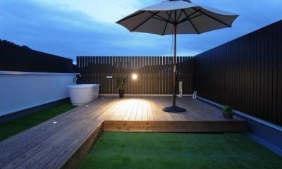 屋上|素材感を楽しむインテリア