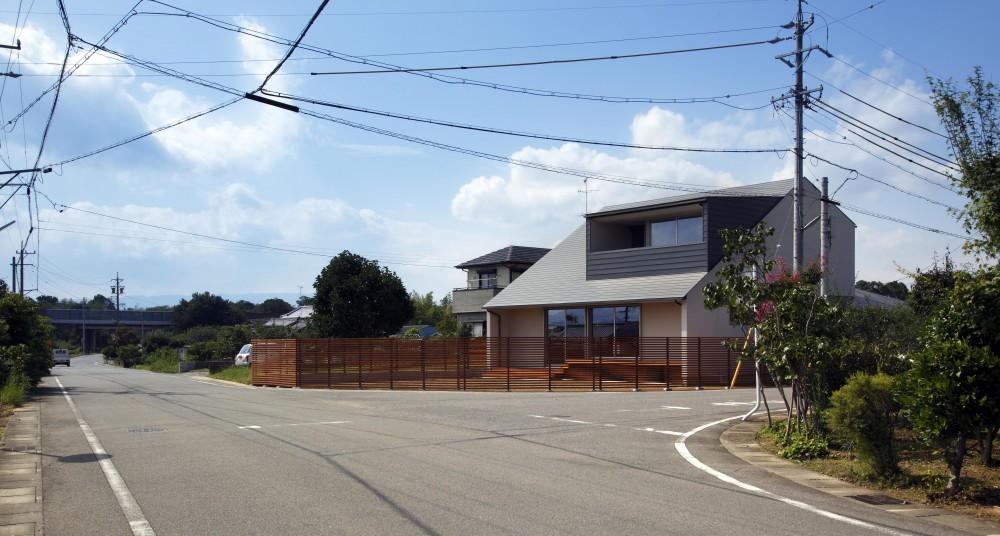 近藤晃弘建築都市設計事務所「おおきな屋根を楽しむ家」