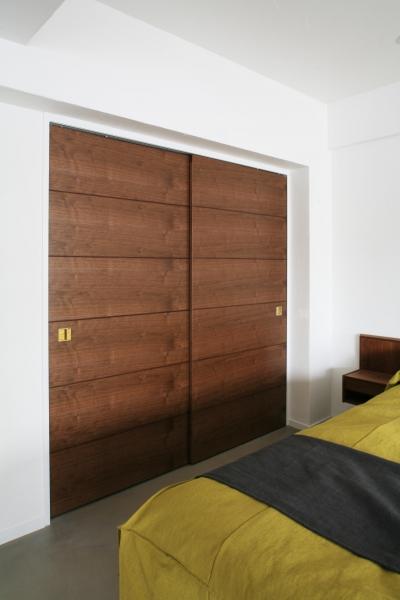ベッド横 収納引き戸 (Y邸)