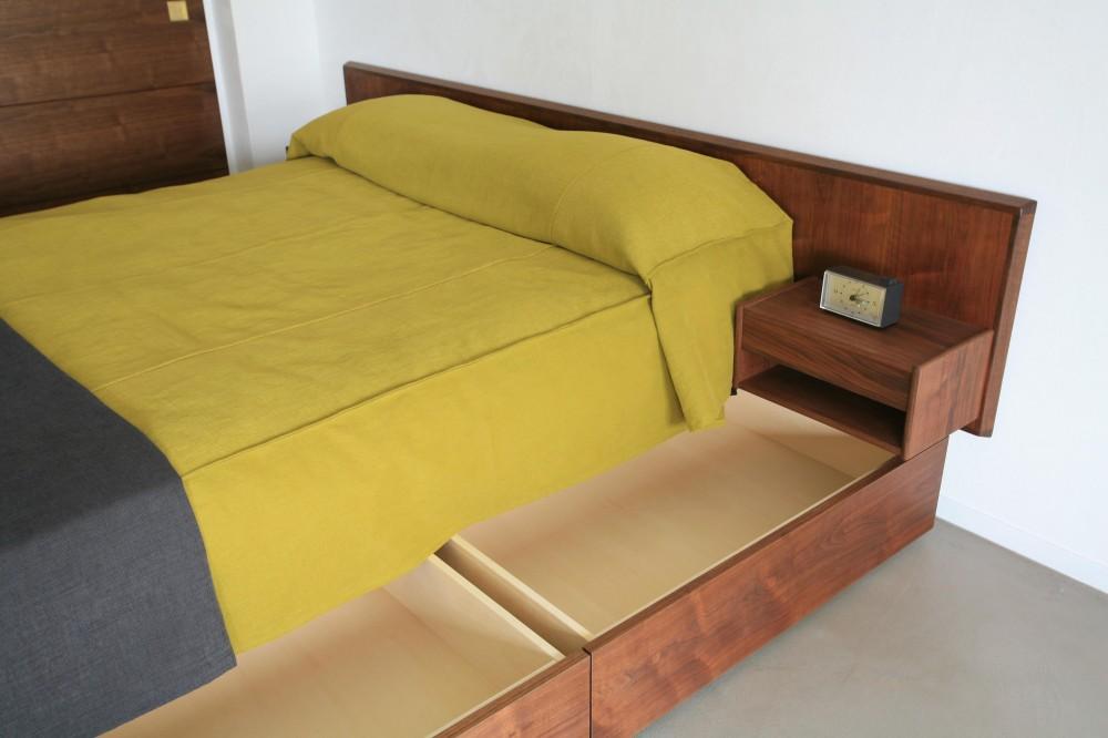 Y邸 (ベッド下収納スペース)