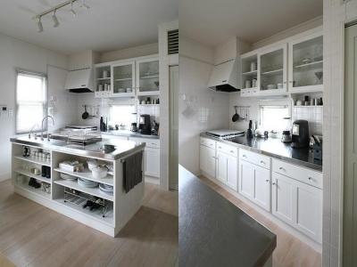 M邸 (白とステンレスを基調としたアイランド型キッチン)