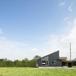 当別の家 シンプルな北国の住まい|新築 (片流れの勾配屋根の外観)