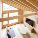 当別の家 シンプルな北国の住まい|新築の写真 開放的なリビング