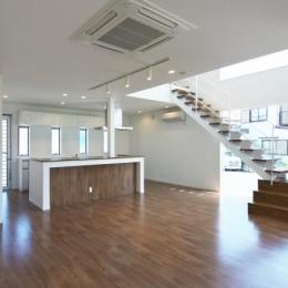 鶴田の家 (リビングダイニングキッチン)