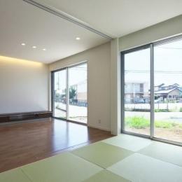 鶴田の家 (光が差し込む和室)