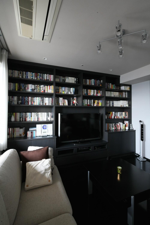 S邸 (計算された壁面本棚&TVボード)