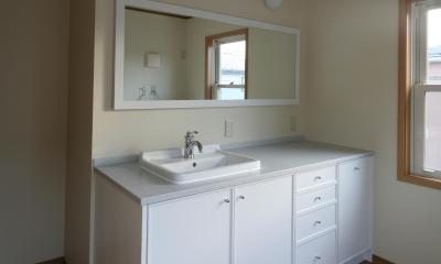 M邸 (白ですっきり清潔感ある洗面台)