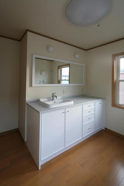 白ですっきり清潔感ある洗面台 (M邸)