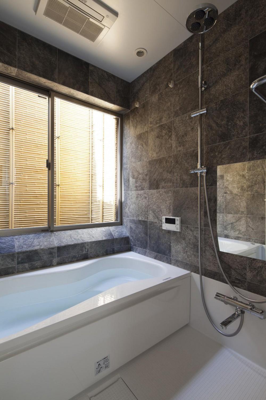 桜坂の家 (浴室)