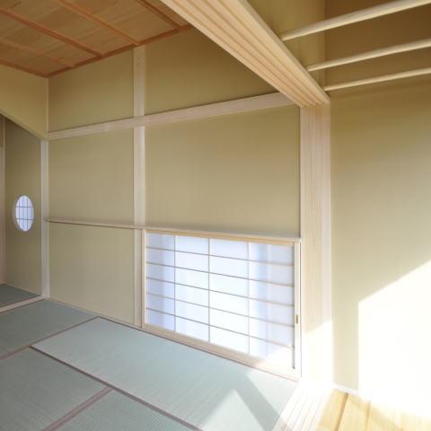 土間と光の和の時間、回遊性のある和空間の部屋 光を多く取り入れた和空間3