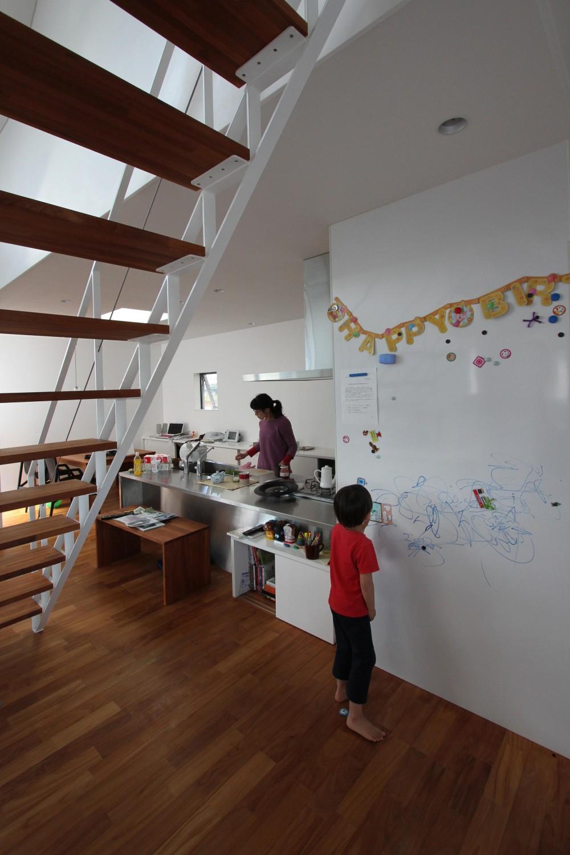 研究学園の家 (リビング)