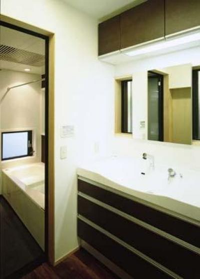 洗面脱衣室~浴室 (寛の家52)