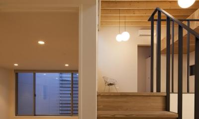 鶴見の家 (中間階の洋室)
