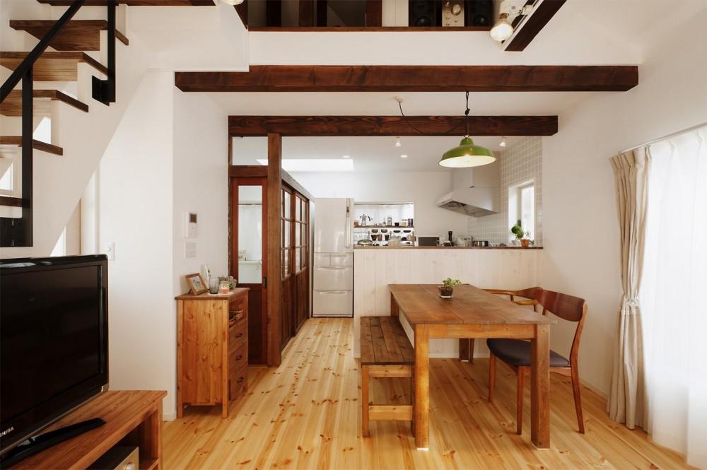 T邸・家族のくらしをより楽しく豊かにするとっておきの家 (明るい2階LDK)