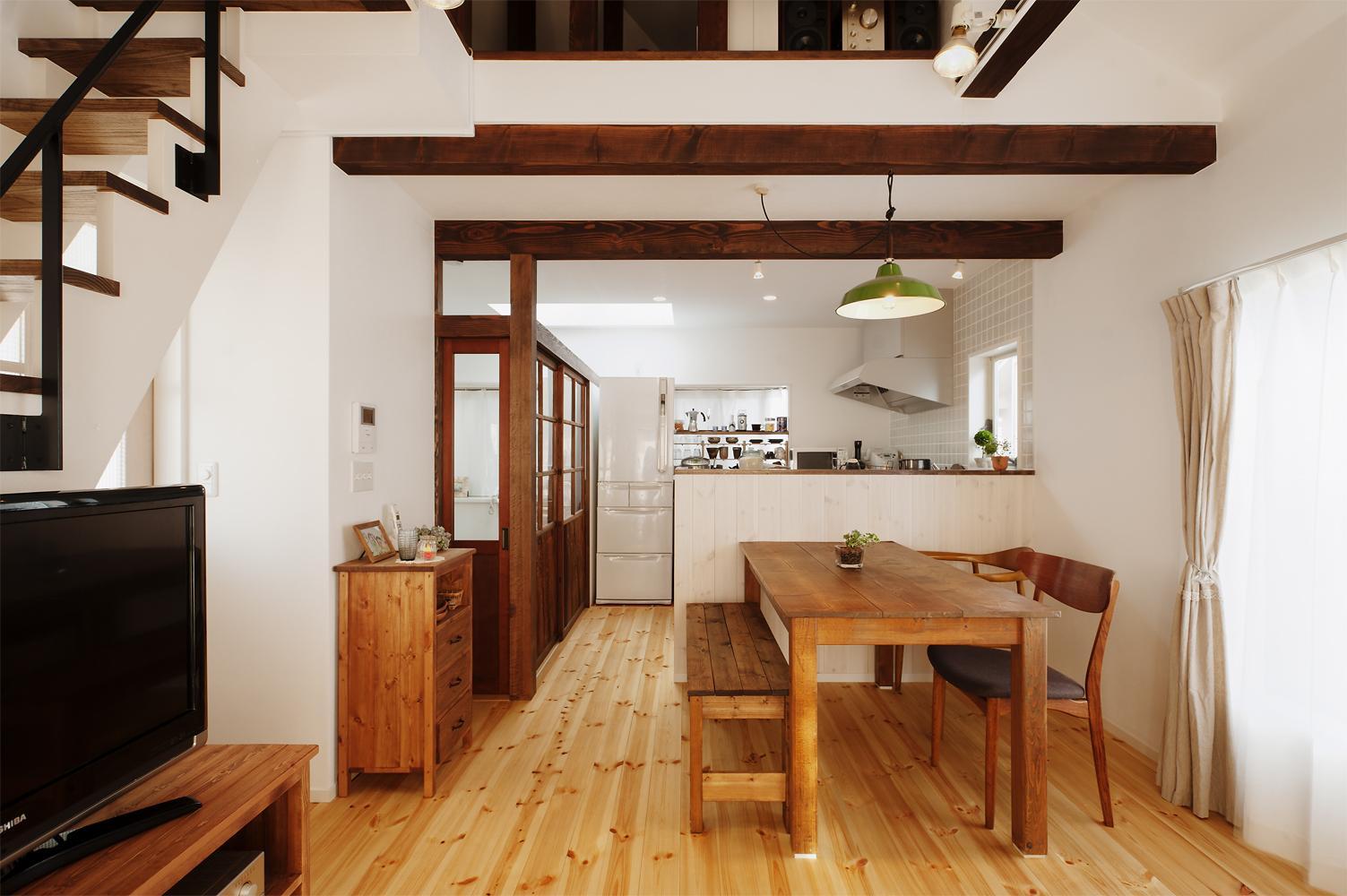 T邸・家族のくらしをより楽しく豊かにするとっておきの家の部屋 明るい2階LDK