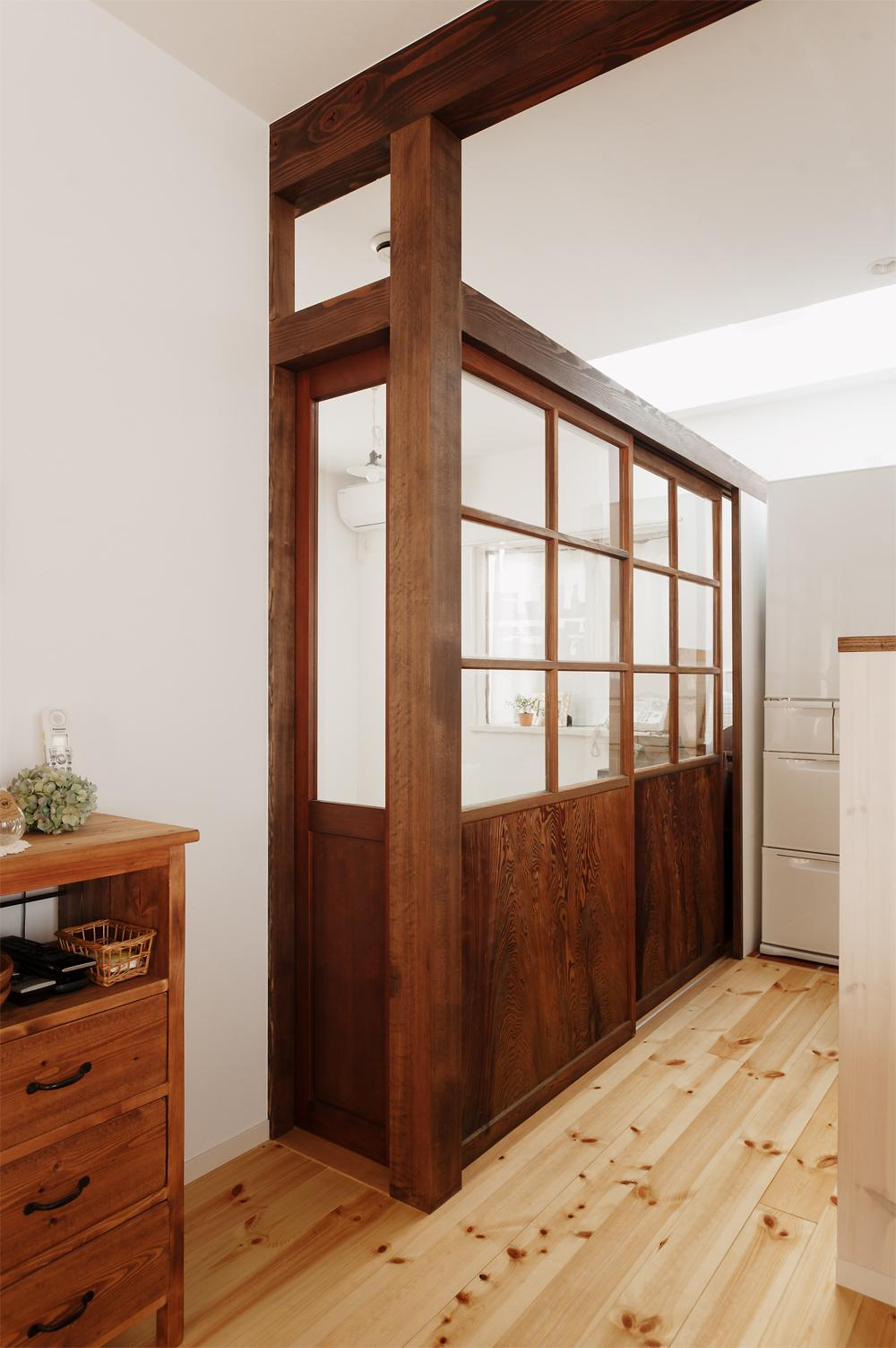 T邸・家族のくらしをより楽しく豊かにするとっておきの家の部屋 施主お気に入りの建具を再利用