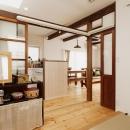 T邸・家族のくらしをより楽しく豊かにするとっておきの家の写真 キッチン隣の畳コーナー-open