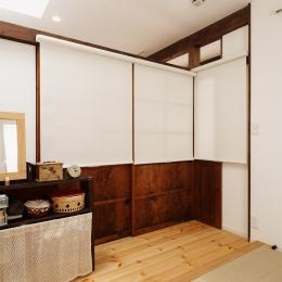 T邸・家族のくらしをより楽しく豊かにするとっておきの家 (キッチン隣の畳コーナー-closed)