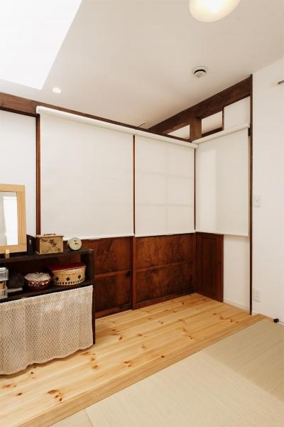 キッチン隣の畳コーナー-closed (T邸・家族のくらしをより楽しく豊かにするとっておきの家)