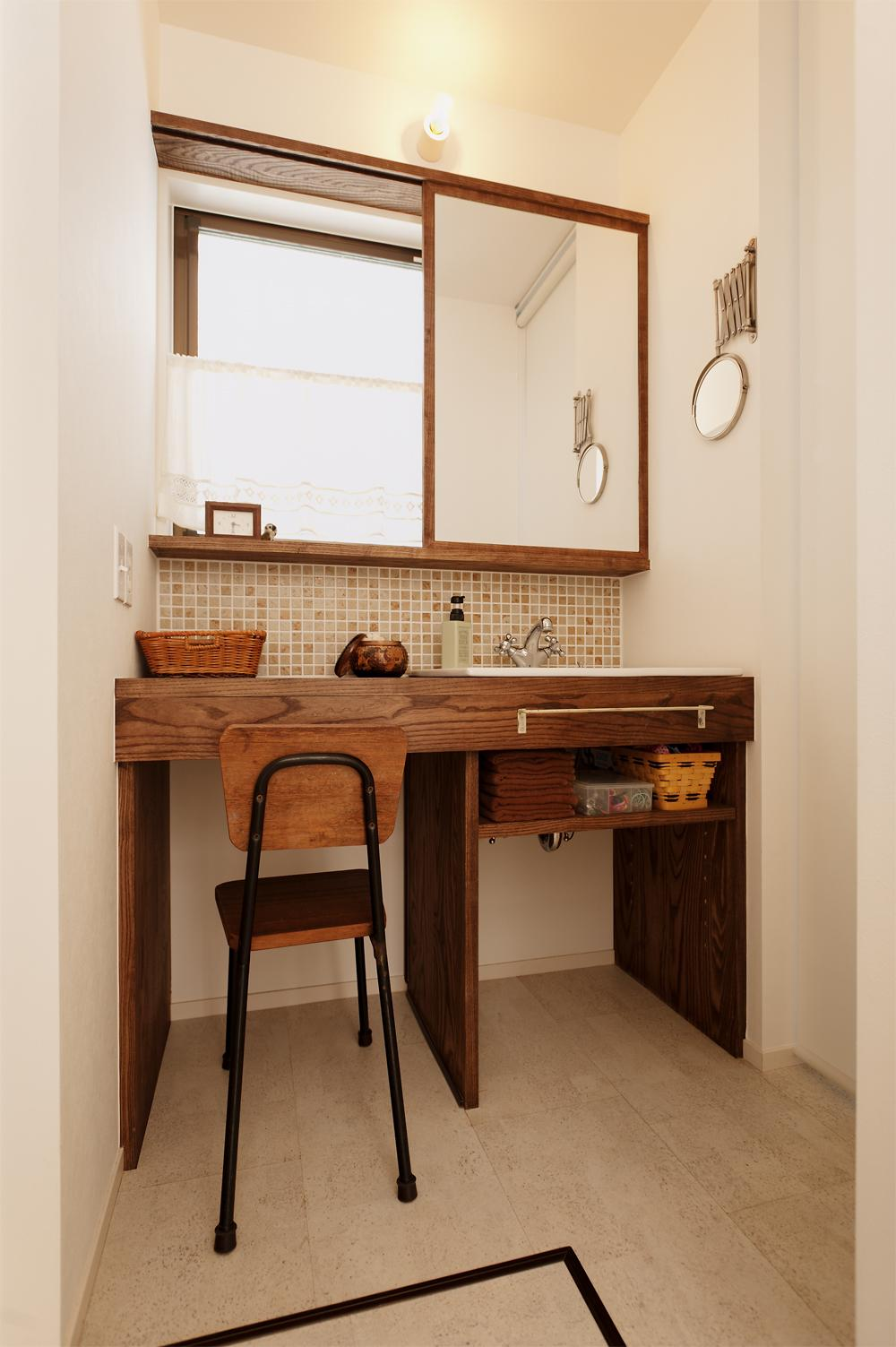 T邸・家族のくらしをより楽しく豊かにするとっておきの家の部屋 こだわりの洗面室