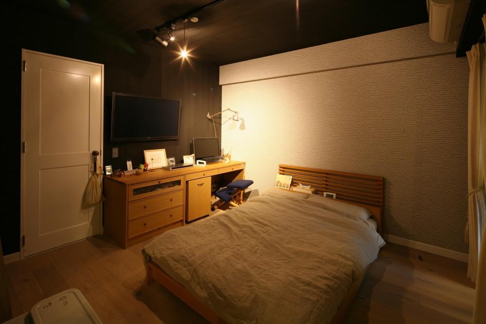 K邸 (落ち着いた雰囲気のベッドルーム&書斎)